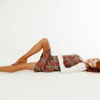 Рыжая девушка в сарафане на белом фоне студии :: Виктория Соболевская