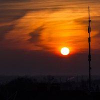 уходящее солнце :: Петр Беляков