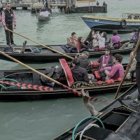 Venezia. I gondolieri partono dal molo di San Marco. :: Игорь Олегович Кравченко