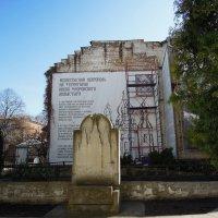 Вознесенский некрополь на территории Флоровского монастыря :: Тамара Бедай