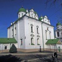 Целительный источник у Вознесенского собора – главного сооружения обители :: Тамара Бедай