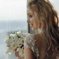 Невеста у окна :: Максим Коломыченко