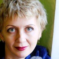 Женский портрет :: Майя Жинка