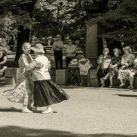 Танцы в воскресенье :: Дмитрий Рутковский