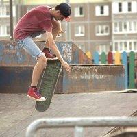 Скейтбордист :: Валерий