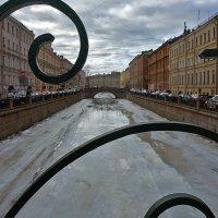 Твоих оград узор чугунный :: Валентина Харламова