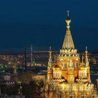 Вид на Свято-Михайловский собор и центр Ижевска :: Владимир Максимов