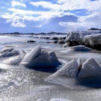 пирамиды на берегу :: Георгий А