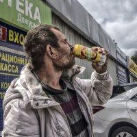 """Стрит фото....съёмка """"от бедра""""... :: Юрий Яньков"""