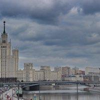 """Москва, парк """"Зарядье"""", вид с """"Парящего"""" моста :: Jenova"""
