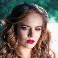 красивая девушка :: Andrey Tolok