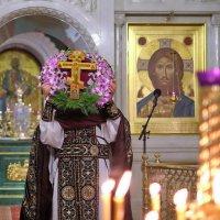 Монастырь. Неделя Крестопоклонная. :: Геннадий Александрович