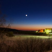 Лунный вечер на реке Ухта в черте города... :: Николай Зиновьев