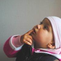 в роддоме..ждет младшую сестричку..КАКАЯ ОНА???? :: Дарина Нагорна