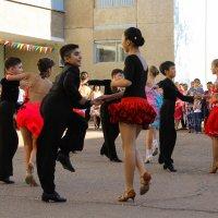 Танцоры :: Филипп Жунку