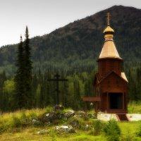 часовня в горах :: Александр Потапов