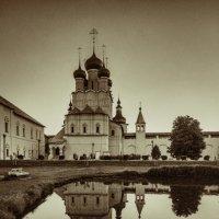 Ростовский кремль...когда туристы спят... :: Дмитрий С