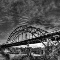 мост через Волгу :: Александр Воронов