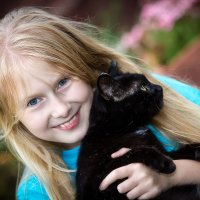 Мучение кошек -дети :: Вера N