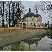 Успенская церковь в Сергиевом Посаде Московской области :: Natalia Mihailova
