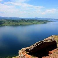 Над озером. :: Наталья Юрова