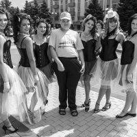 среди роз :: Владимир Бурдин