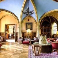 гостиная в аббатстве Во де Сернэ (Vaux de Cernay) :: Георгий А