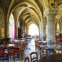 зал для семинара в аббатстве 13-ого века :: Георгий А