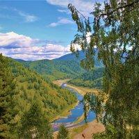Взгляд в долину :: Сергей Чиняев