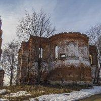 Остатки Петропавловского монастыря :: Сергей Цветков