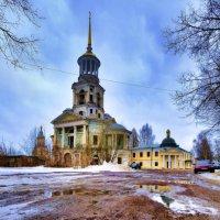 Колокольня Борисо-Глебского монастыря (г. Торжок) :: Георгий А