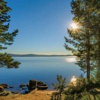 Вид на озеро :: Vladimbormotov