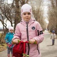 Прогулка в парке :: Ирина Федосеева