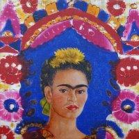 На выставке мексиканской художницы Фриды Кало. Автопортрет - 1 :: татьяна