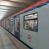 Новые вагоны московского метро :: Елена