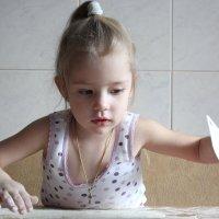 Мамина помощница :: Ирина Федосеева