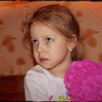 Недовольная девчушка. :: Anatol L