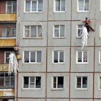 Ремонт в соседнем доме :: Ната57 Наталья Мамедова