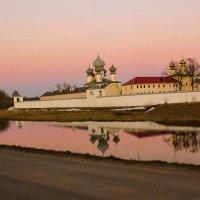 монастырь на закате :: Сергей Кочнев