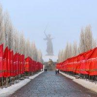 Аллея к главной высоте России :: Ежи Сваровский