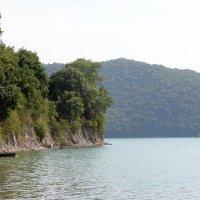 Горное озеро Абрау. :: Сергей Пиголкин