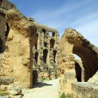 Тунисский колизей - Эль Джем :: Алла Захарова