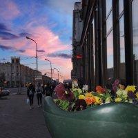 Минск. Вечер на проспекте :: Александр Сапунов