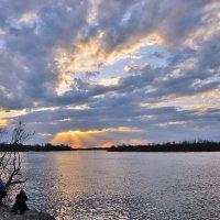 Колена преклоняя пред закатом. :: Надежда Парфенова