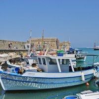 В гавани Ираклиона :: Андрей K.