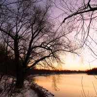 На закате у реки :: Андрей Снегерёв