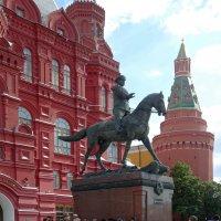 Москва. Памятник Маршалу Жукову. :: Наталья Цыганова