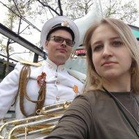 9 мая сын с любимой. :: Алексей Кузнецов