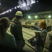 Ижорские заводы, Колпино. В цеху производят трубы 10 см в диаметре. :: Александр Русинов