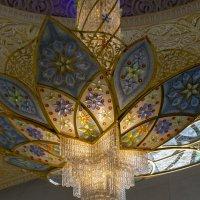 Необыкновенная люстра мечети шейха Зайда :: Светлана Карнаух